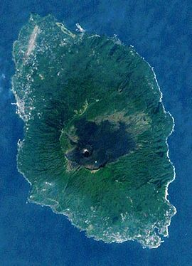 270px-伊豆大島の衛星写真001.jpg